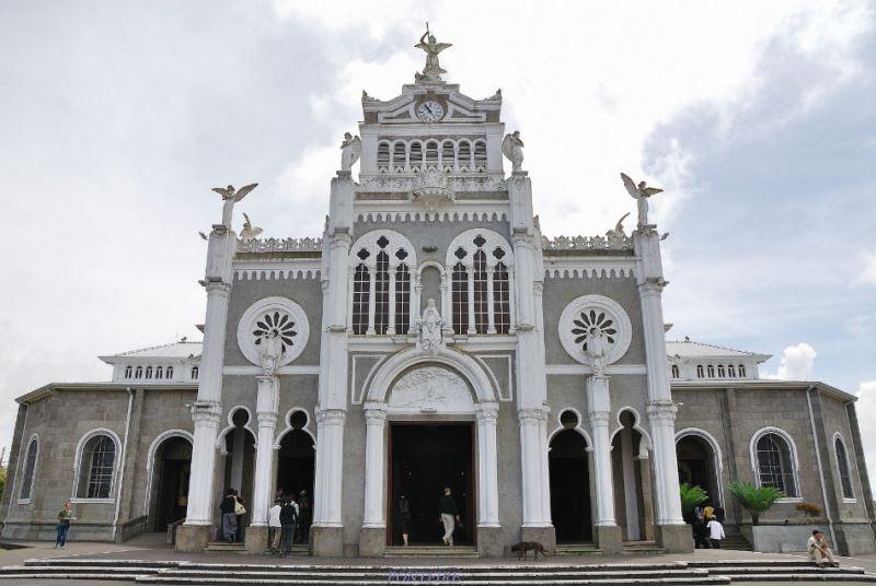 basilica-nuestra-senora-de-los-angeles